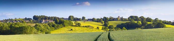 剧烈的天空,田园诗农村风景, Cotswolds英国 库存照片