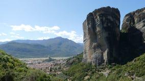 剧烈的岩层在迈泰奥拉,希腊 库存图片