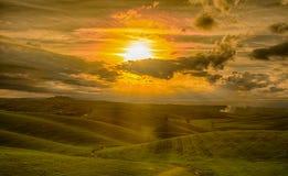剧烈的日落在托斯卡纳 免版税库存照片