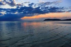 剧烈的日落在泰国 免版税库存图片