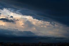 剧烈的晚上cloudscape 图库摄影