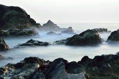 剧烈的海岛海岸 免版税库存照片