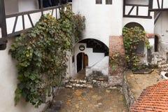 剧烈麸皮城堡-剧烈, 14世纪城堡,麸皮城堡的formerFragment的片段-, 14世纪城堡,前罗伊 图库摄影