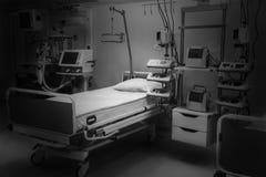 剧烈黑白 医院急诊室特护 现代设备,健康医学,治疗的概念, 库存图片