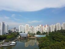 剧痛Sua池塘全景风景在武吉班让新加坡 库存图片