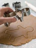 剪切姜饼人 库存图片