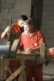 剪切钢筋垂直工作者 免版税库存照片