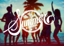 剪影人集会:假期夏天天堂 免版税库存照片