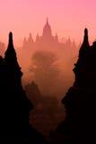剪影寺庙在Bagan 免版税库存图片