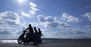 剪影小型摩托车 免版税库存照片