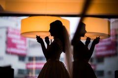 剪影新娘组成 免版税库存照片