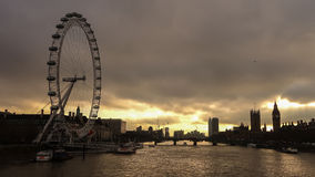 剪影被射击伦敦地平线 免版税库存照片