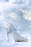 剪报玻璃脚跟高路径拖鞋 免版税图库摄影