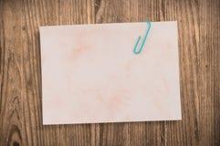 剪报noteon老纸张通路表 免版税图库摄影