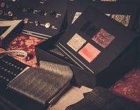 剪裁的布料样品 免版税库存图片
