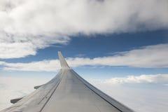 副翼和云彩 库存图片