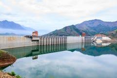 水力发电的发电厂 图库摄影