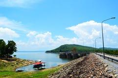 水力发电的水坝,泰国 免版税库存图片