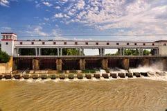 水力发电站的水坝 图库摄影