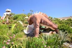 力量幻灯片塔在肋前缘的阿德赫泰国公园在特内里费岛 图库摄影