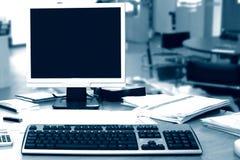 办公室个人计算机 免版税库存图片