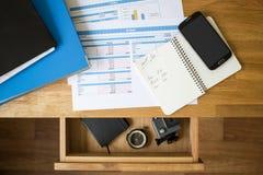 办公室会计材料假期概念背景 免版税库存照片
