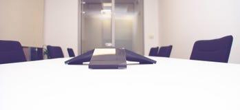 办公室会议室设备 免版税库存图片