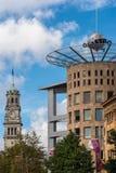 办公室和工厂建筑物地铁塔在奥克兰 库存图片