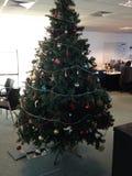办公室圣诞树 免版税库存图片