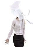 办公室在空气顶上的纸insulatio扔的女商人 库存照片