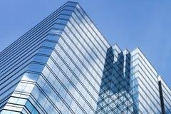 办公室塔由玻璃和钢制成 图库摄影