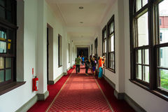 总统办公室大厦的内部走廊在台北,台湾 免版税库存照片