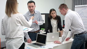 年轻办公室工作者队的繁忙的天  影视素材