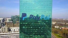 办公室摩天大楼空中射击有PayPal商标的 编译的现代办公室 社论3D翻译 免版税库存图片