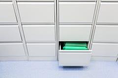 办公室文件存贮家具 免版税库存照片