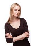办公室样式的白肤金发的妇女 免版税库存图片