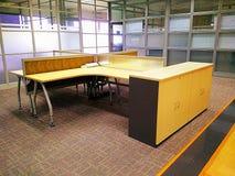 办公室桌 免版税库存照片