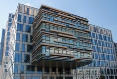 办公室现代大厦在赫兹里亚,以色列 免版税库存照片