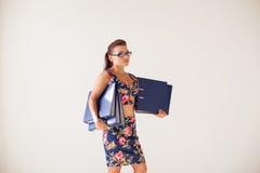 办公室纸文件夹秘书的企业女孩 免版税库存照片