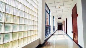 办公室走廊 免版税图库摄影