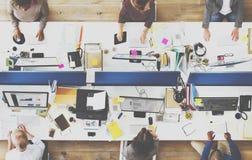 办公室队运作的统一性工作场所概念 库存图片