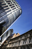 办公楼和蓝天 库存图片