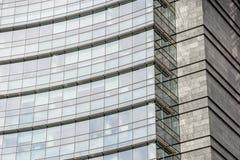 办公楼现代蓝色玻璃墙 库存图片