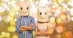 加上在纸板箱的emojis在bokeh 免版税库存图片
