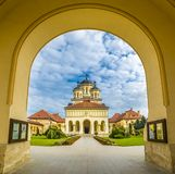 加冕正统大教堂在阿尔巴尤利亚,特兰西瓦尼亚,罗马尼亚 免版税库存照片