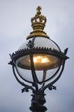 加冠英国灯笼伦敦 免版税库存图片