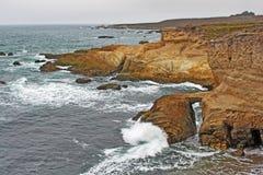 加利福尼亚中央海岸形成岩石 库存照片