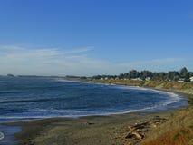 加利福尼亚北部海岸线,人们靠岸 免版税库存图片