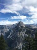 加利福尼亚圆顶半全景线索视图优胜美地 免版税库存图片