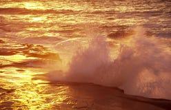 加利福尼亚地亚哥夜间圣海浪 库存照片